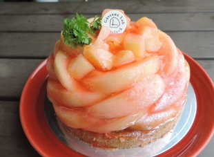 桃のタルト(夏季商品)